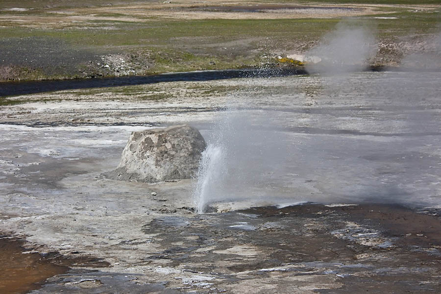 Beehive's Indicator is a small geyser that usually erupts 5-20 minutes prior to an eruption of Beehive Geyser. (Janet White/Geyser Watch - click to enlarge)