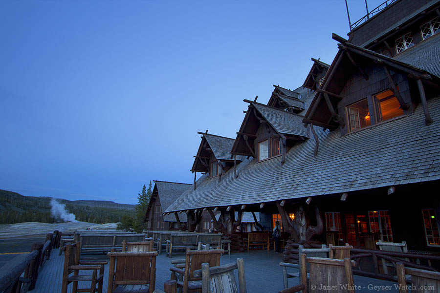 Xanterra Parks & Resorts has been chosen for a 20-year contract to operate hotels and offer other services in Yellowstone National Park, including the Old Faithful Inn. (Janet White/Yellowstone Gate - click to enlarge)
