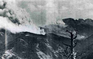 The 1937 Blackwater Fire burns in rugged country in the Shoshone National Forest east of Yellowstone National Park. (USFS photo)