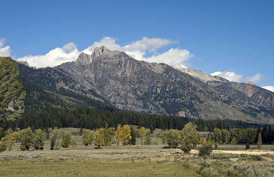 A view of Static Peak from the Moose-Wilson Road connecting Grand Teton National Park and Wilson, Wyo. (File photo by Acroterion/Wikimedia Commons - click to enlarge)
